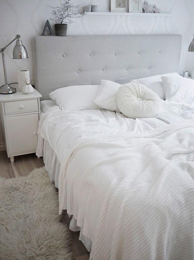 La elegancia de un dormitorio blanco total boho deco for Ejemplo de dormitorio deco