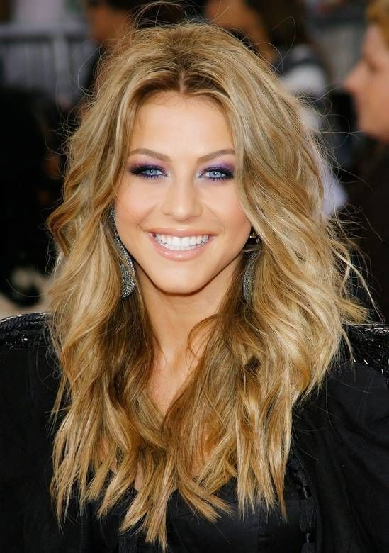Boost The Blue Hue In Your Eyes By Accentuating As A Brunette If You Re Natural It Is Possible To Go Darker Or Lighter Avoid