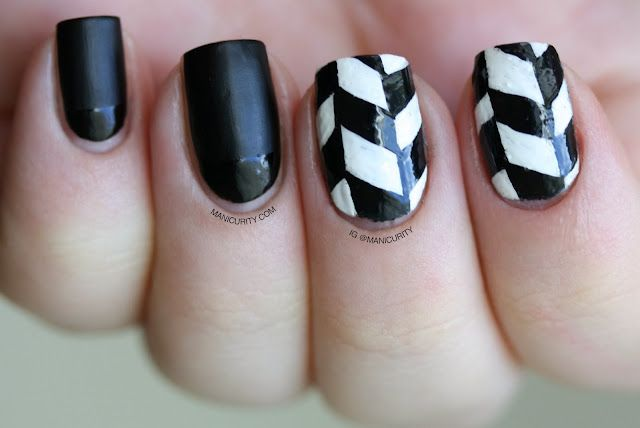 The Digit Al Dozen Does Black White Edgy Freehand Herringbone