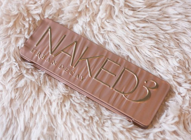 14c6786d8eb7 Beauty: Naked 3 palette review, swatches and 4 looks | The Styling ...