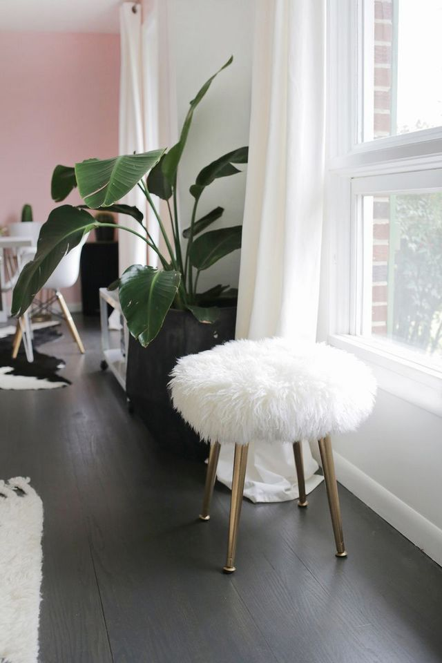 Make A Furry Stool With Gold Legs In Minutes A