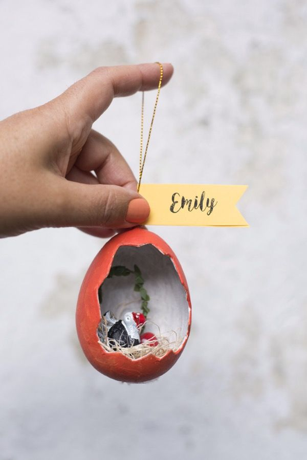 Thanksgiving Egg Diorama Place Cards DIY | Oh Happy Day