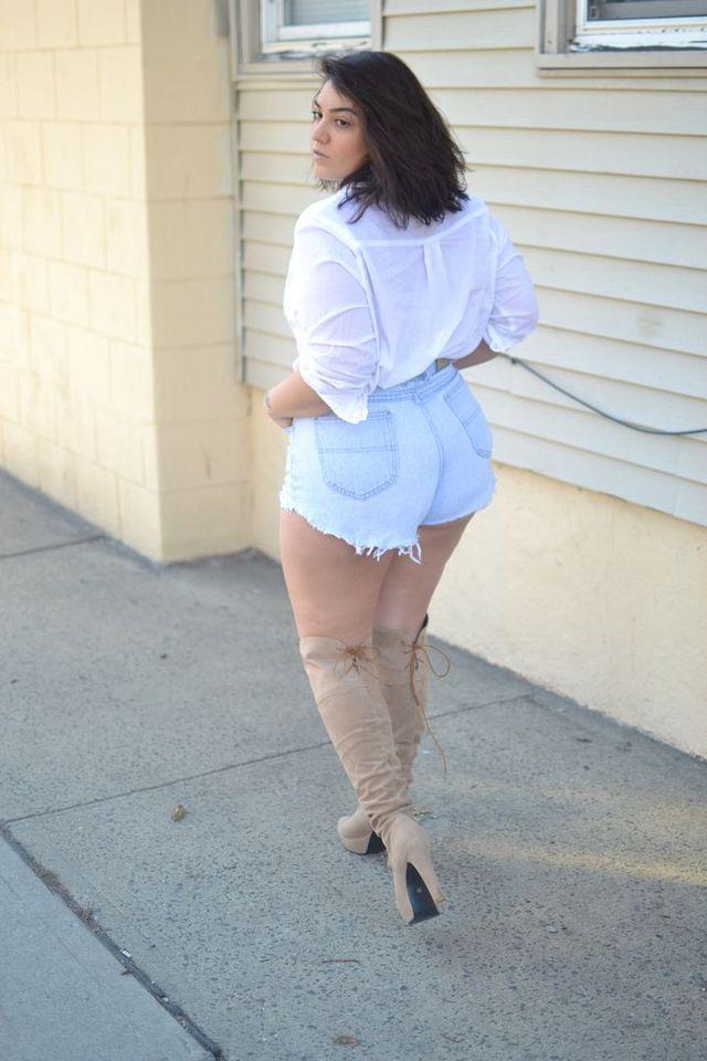 Lookin Ass | Nadia Aboulhosn | Bloglovin'