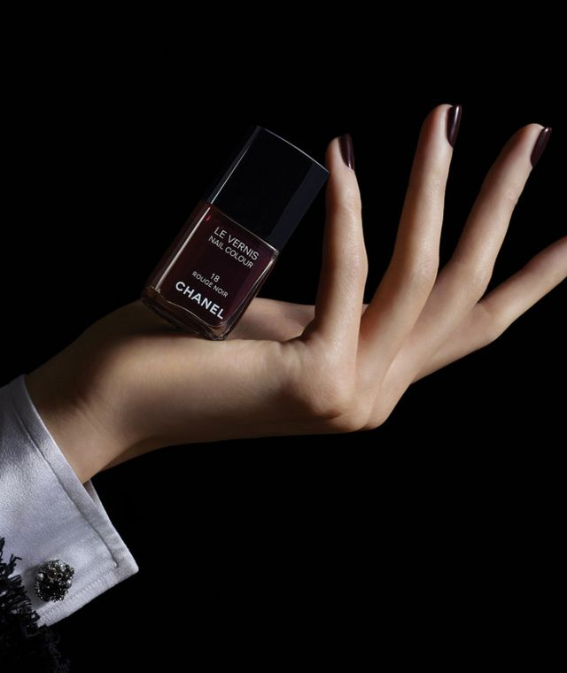 Famoso Chanel Uñas Azul Pulido Galería - Ideas de Diseño de Pintura ...