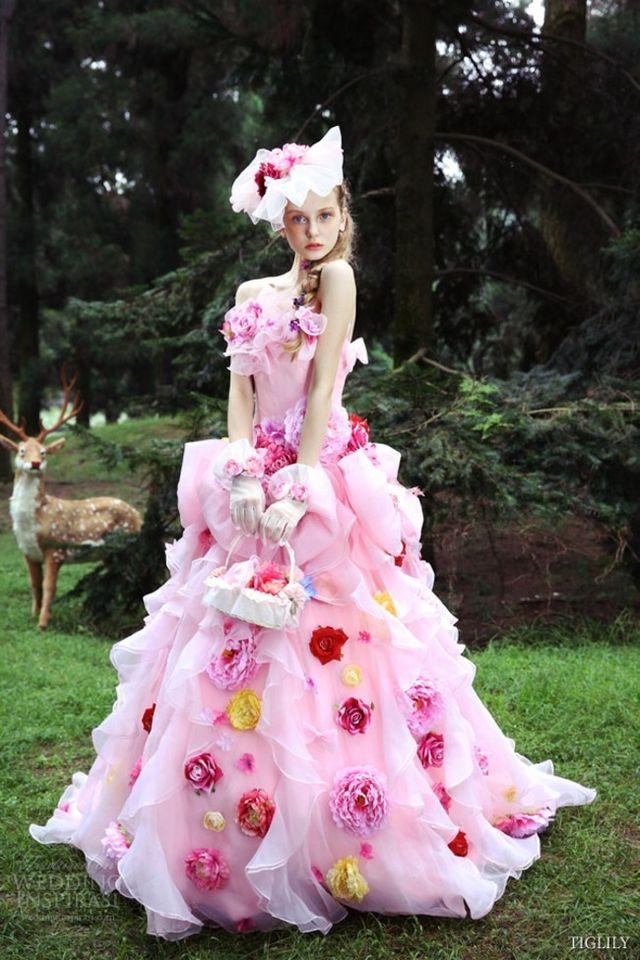 Miley se nos casa (y nosotros le sugerimos vestido de novia ...