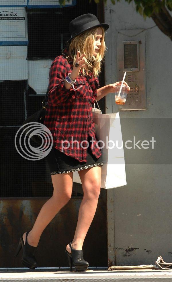 Mary Kate Olsen Skirt 107