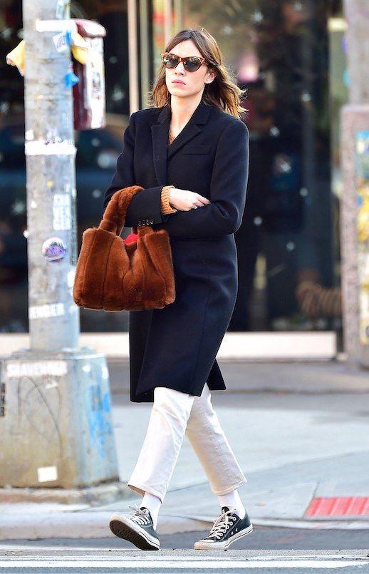 e82fafd34a5ea8 Alexa Chung Mixes Winter Staples With Trendy Pieces | Le Fashion ...