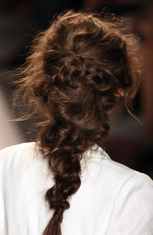 Hair Inspiration 3 Romantic Undone Looks Le Fashion