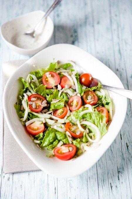 schneller salat mit zucchini wenn die zucchinischwemme kommt kuechenchaotin bloglovin. Black Bedroom Furniture Sets. Home Design Ideas