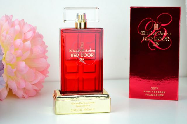Elizabeth arden red door 25 eau de parfum sprinkles of for Door 4 harrods