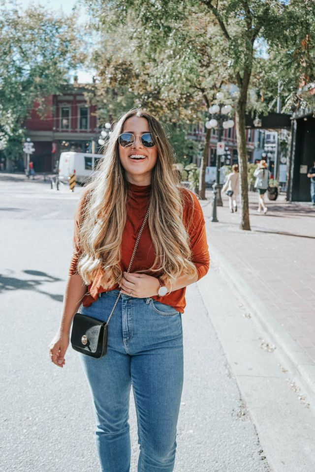 e328d03d *NEW* High Waist Skinny 'Farleigh' Mom Jeans from ASOS *NEW* Wilfred LUSSAC  T-Shirt from Aritzia | Similar-ish here. Prescription 'Harrison' Sunglasses  c/o ...