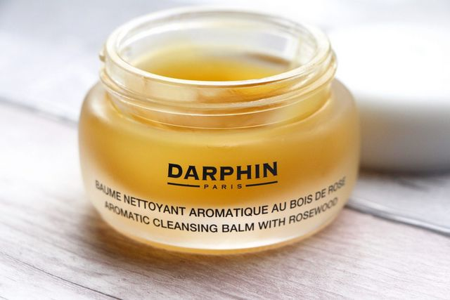 Cleansing Treat Darphins Aromatic Balm With Rosewood A Model