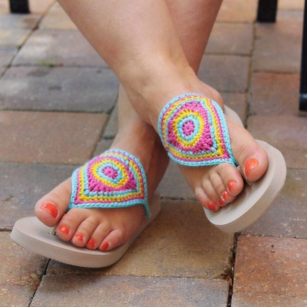 3bb9aeaf4 Miss Neriss offers a free crochet pattern for flip flops that look a bit  like barefoot crocheted sandals but with the feet of real sandals.