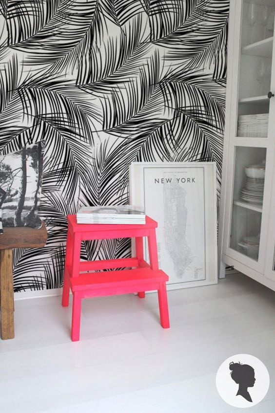 6 Dreamy Looks With The Must Have Palm Tree Wallpaper