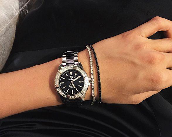 cb881d75233 O mimo é parte de uma coleção com relógios inteiramente em cerâmica que  traz versões inéditas da linha Aquaracer Lady! Esse material faz toda a  diferença ...
