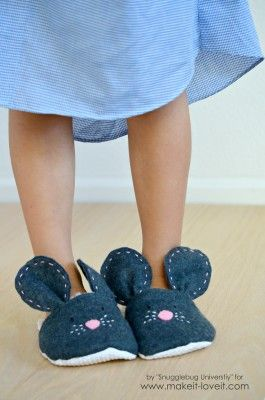 5d0ced38360 DIY Mouse Slippers…..simple to make in any size!
