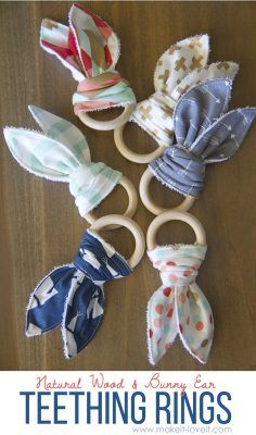 A-Peel-ING Personalized Scarf Bib Feeding /& Teething Fancy Baby Bibs and Burp Cloth Polyester Cotton