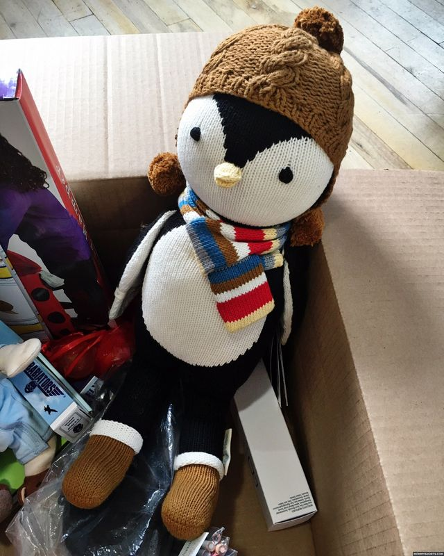Forceful Goggles ~ Stunning Plush Penguin By Charlie Bears ~ So Cute!! Artist