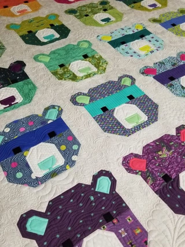 Machine Quilting The Tula Pink Bjorn Bear Quilt