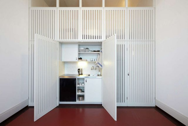 Disappearing Act: 15 Minimalist Hidden Kitchens | Remodelista ...