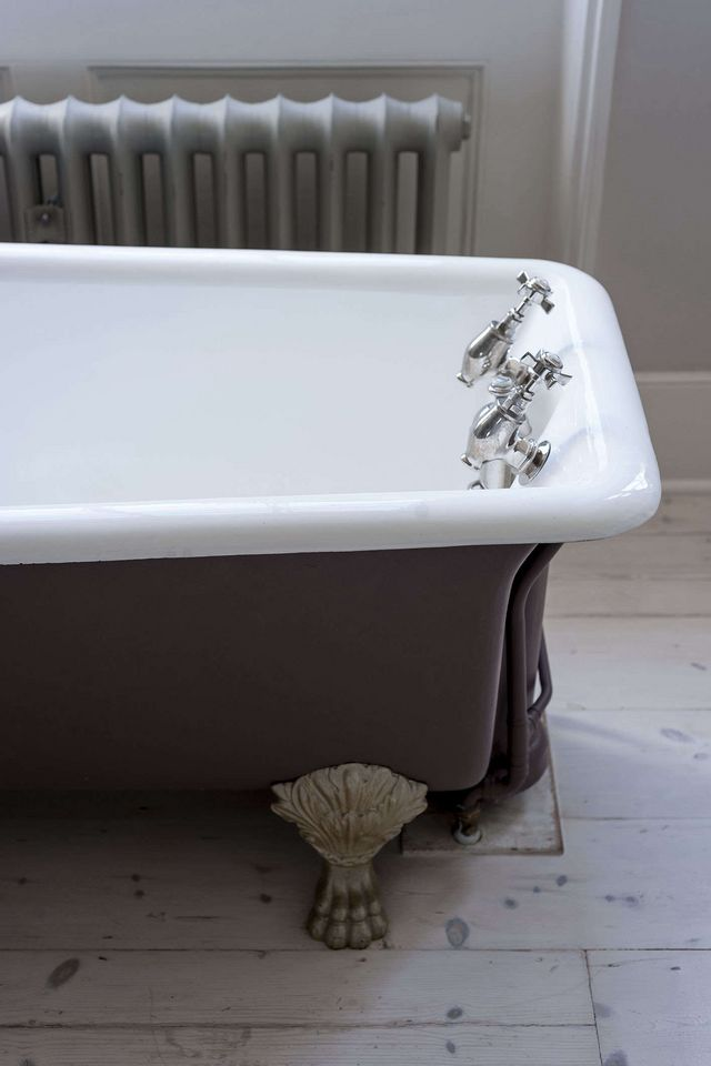 extra large clawfoot tub. Above  McKenna found the extra long clawfoot tub from Dorset Reclamation Bathroom of Week A Romantic London Bath Made Vintage