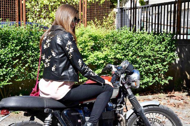 NUOVA linea donna Nero Shimmer Breve Giacca Oro montato Biker Pulsante Slim cappotto donna