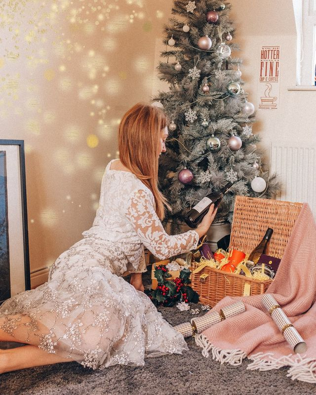 75fe7fee7ec7 Christmas gifts everyone will love- Is the Selfridges hamper the ideal  solution