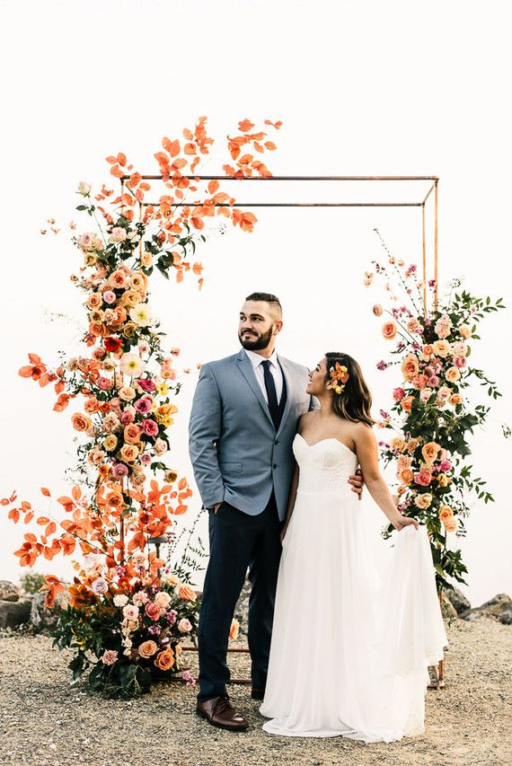 35db6019d1ce Don't mind us, we'll just be spending our post-daylight-savings week  obsessing over these amazing ceremony florals by The Dainty Lion that  channel spring in ...