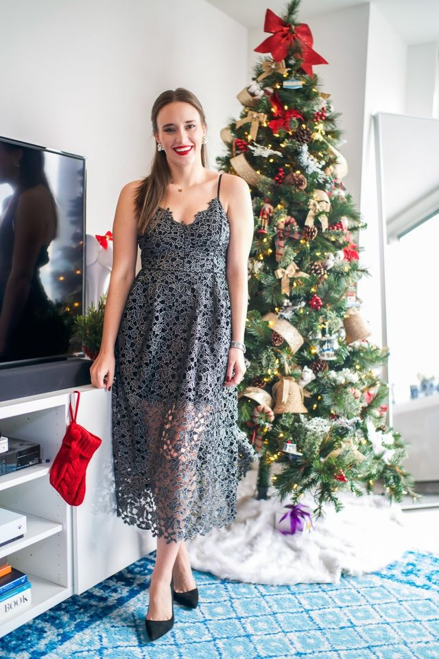 0bf79830309 Affordable Holiday Dress + Our Christmas Tree