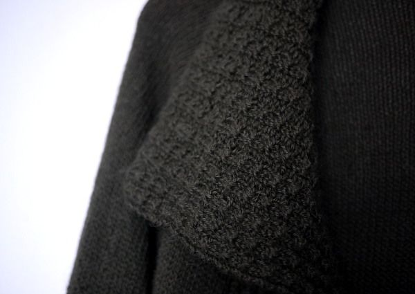 8634d8a72c8af6 Das Strickmuster (kostenlos bei knitty) gefällt mir sehr gut, die Jacke ist  nahtlos und federleicht. Ich habe Drops Alpaca in lodengrün mit 3,5 er  Nadeln ...