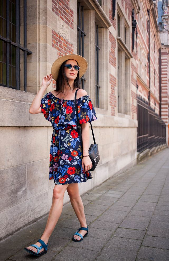 6c819be3e80 Outfit: floral off shoulder dress with Tevas | The Styling Dutchman ...