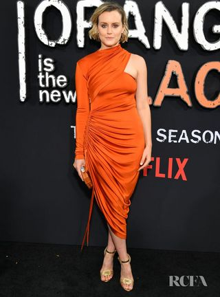 Orange Is The New Black New Season 2020.Taylor Schilling Fittingly Wore Orange For The Orange Is