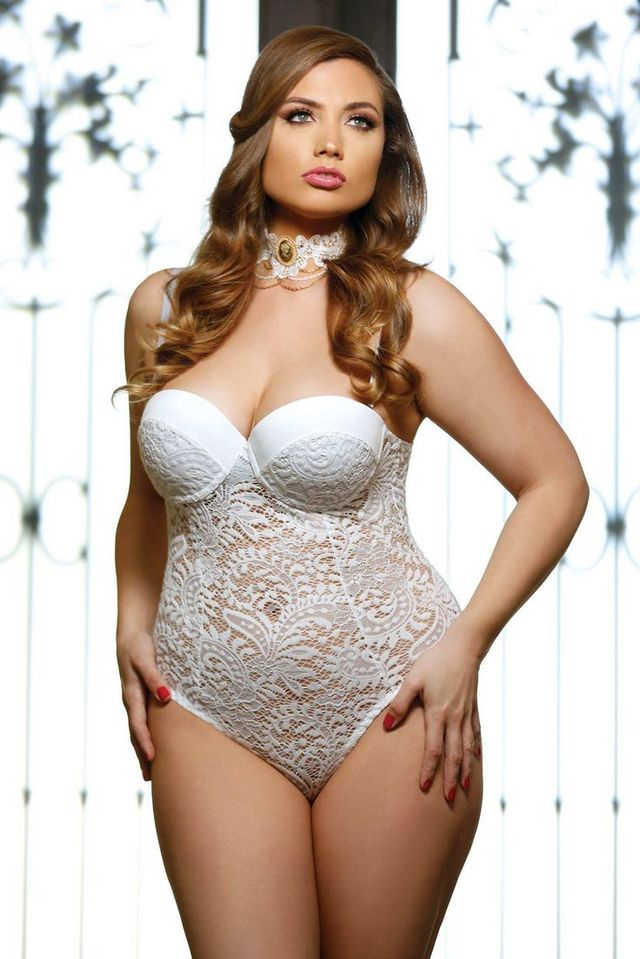 Http Www Plussizefashiontrends Plus Size Wedding Undergarments The Special Thing To Do On Weddings