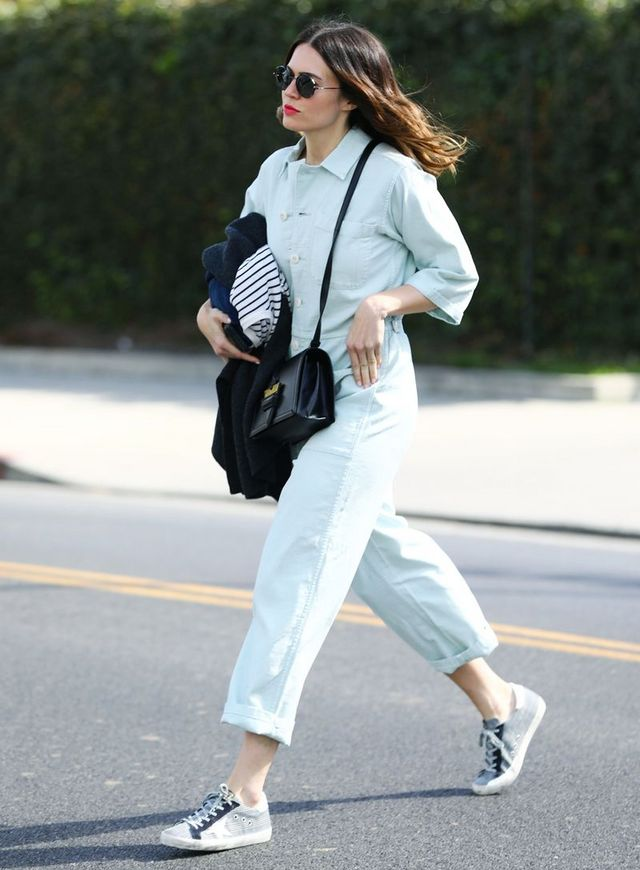 cdd9881e7f Mandy Moore Wore Madewell s Brand-New Collab With Sneakers ...