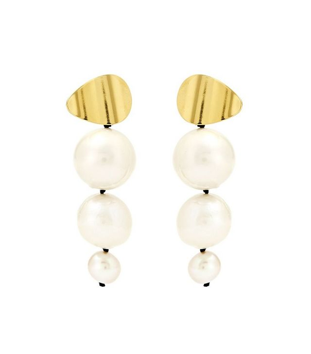 96c51e05fa43 18 Modern Jewelry Pieces That ll Make You Reconsider Pearls ...