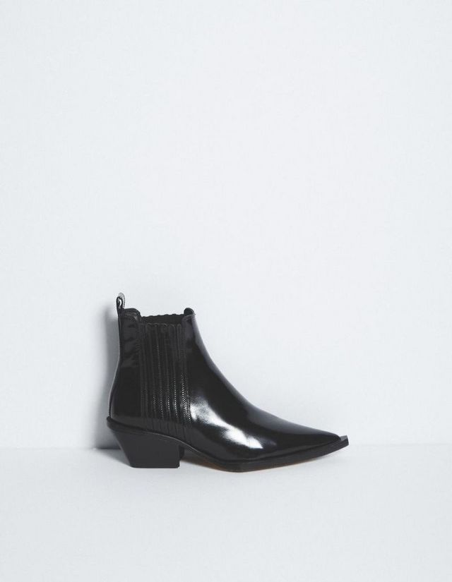 e6df1c93bbc47 The Only 2 Boot Trends NYC Girls Are Buying for Fall | WhoWhatWear ...