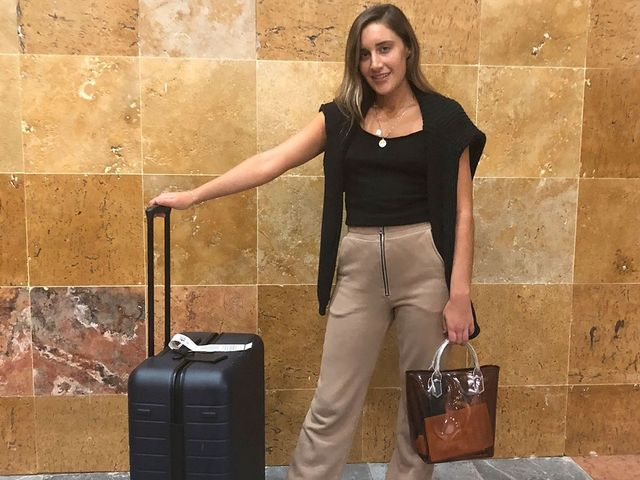 10f401ea6171 When we're not covering the chicest celebrity airport looks, we're sharing  our traveling secrets. Exhibit A: the time editor Aemilia Madden packed two  ...