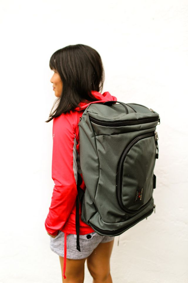 63a5df2708be Traveling Better with the Tom Bihn Aeronaut 30 + More