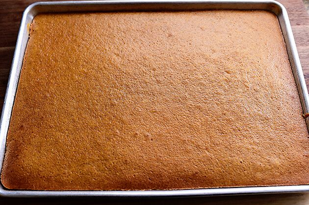 Can You Bake A Pound Cake In A Sheet Pan