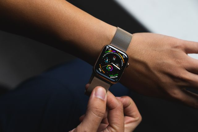 9de1b05e413 A Closer Look at the Apple Watch Series 4 and iPhone Xs in Stainless ...