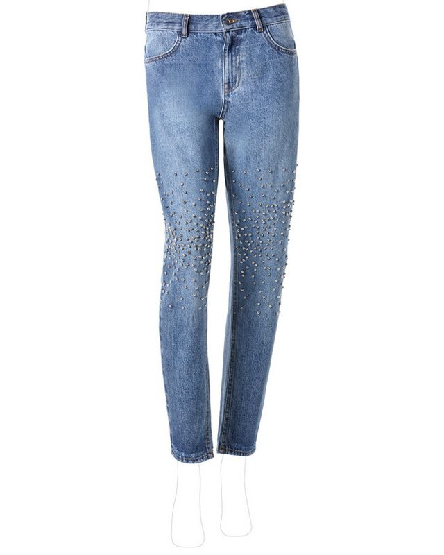 pretty nice ce1d8 7f28a La nueva colección Primavera-Verano 2017 está formada por jeans cargados de  detalles. Lentejuelas, flecos, corazones, estrellas y mariposas.