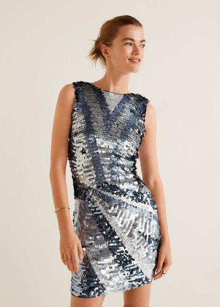 Mini-vestido en diferentes tonalidades de plateado de lentejuelas de tamaño  medio 99 6cad39aa717a