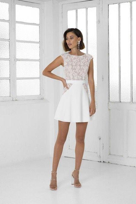 1bb1b97af Vestido de novia corto con ajustado de encaje en forma de flores rosas