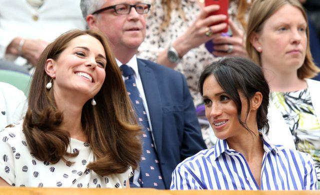 Meghan Markle y Kate Middleton duelo de estilo en Wimbledon. Pin. Share f8c45b103f4d