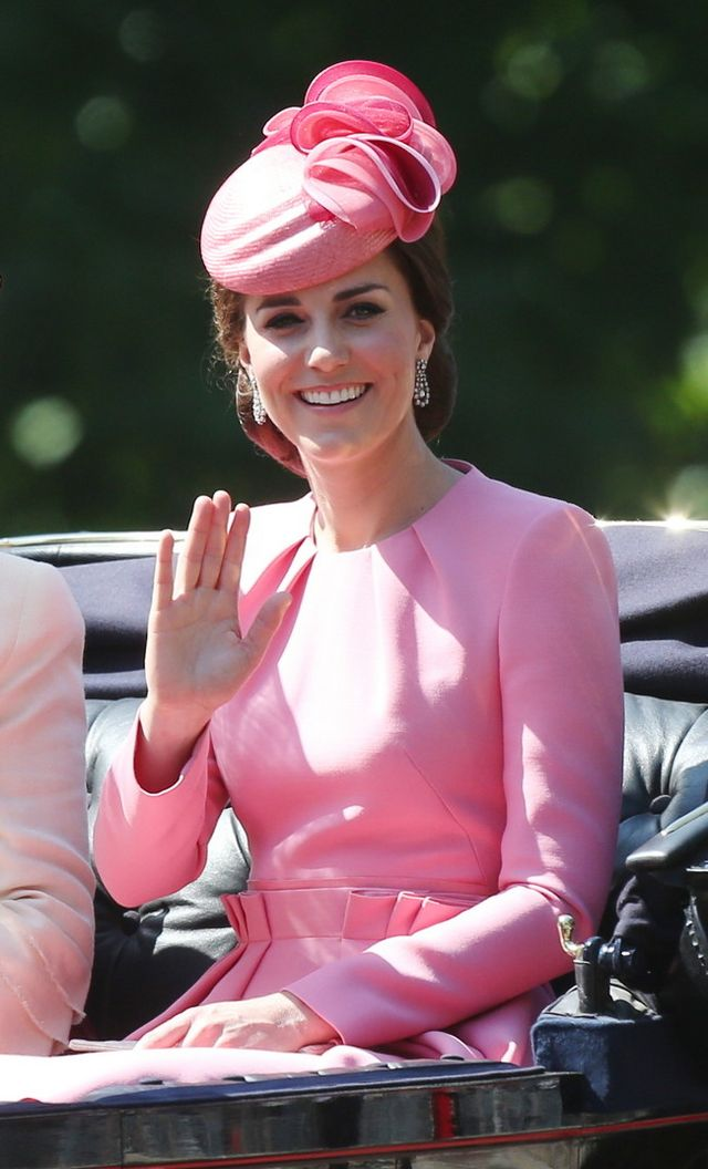 Kate Middleton impacta con un look en color rosa | Trendencias ...
