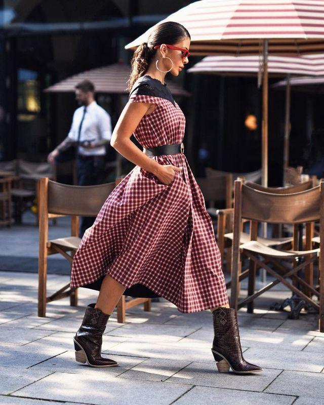 0c0e58016 Las botas cowboy han venido para quedarse y se han convertido en calzado  must have de la temporada. Este otoño invierno puedes encontrar modelos con  muchos ...