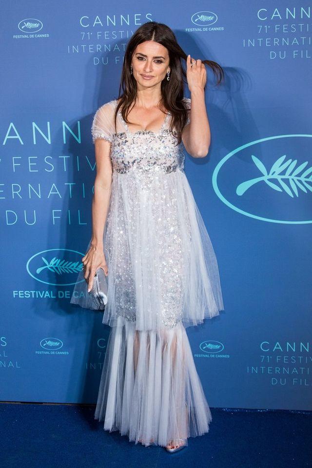872d0e564a El festival de Cannes es el momento ideal para optar por la máxima  elegancia y lujo de los diseños de Alta Costura y no hay nada excesivo