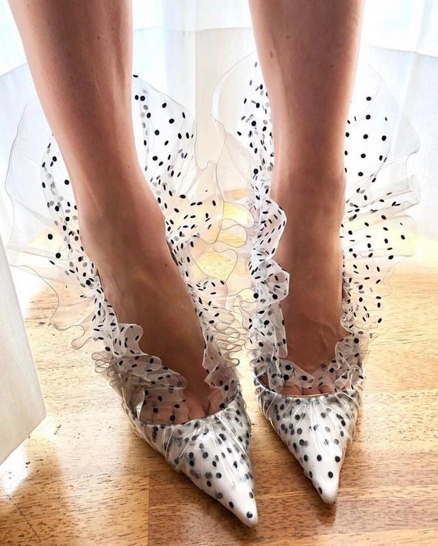 a32c6f920e722 Para muchas fashion victims nunca hay suficiente en cuanto se trata de  zapatos y la época de rebajas es un buen momento para hacerse con un par (o  dos).