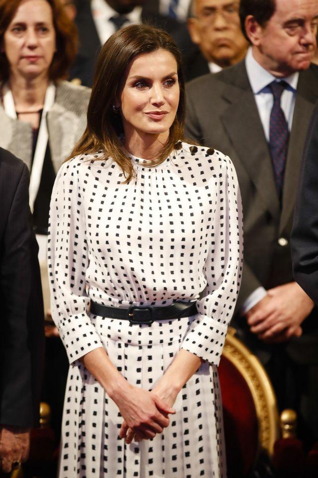 f05d16157 La reina Doña Letizia sigue dejándonos grandes looks durante este viaje  oficial a Argentina. Y es que todos de ellos