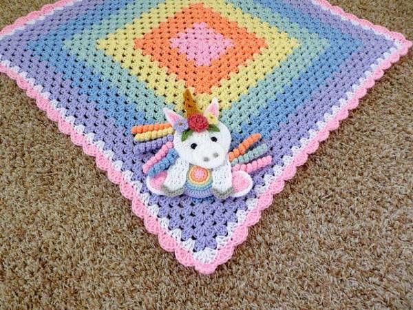Shy unicorn amigurumi pattern   Crochet unicorn, Crochet unicorn ...   450x600